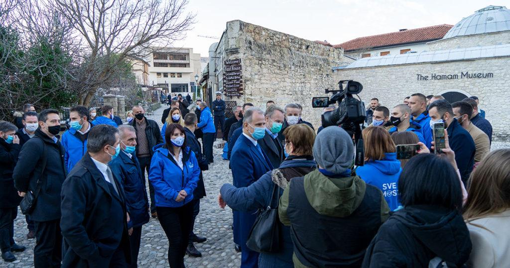 Rukovodstva SDA, SBB, BPS i SBiH u Starom Gradu razgovarali sa građanima